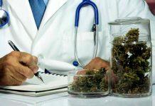 medico recetando marihuana